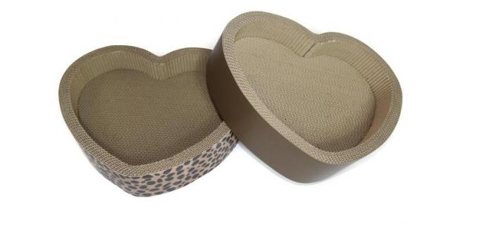 Heart Shaped Cardboard Cat Scratcher Lounge Recyclable Premium Corrugated Paper